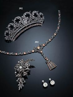 However, a very similar tiara, circa 1840, was sold via Christie's also in 1998.