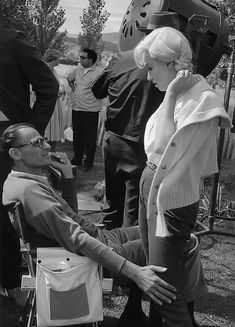 Arthur Miller and Marilyn on set of The Misfits