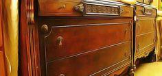 Astuces pour assainir un vieux meuble en bois de ses mauvaises odeurs de moisi ou de renfermé. Nettoyer les germes et les bactéries récupérer