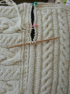 Joining blanket square Cast on three stitches on dpn. Slip last stitch to rh needle, pick up edge stick, pass slip stitch back to left needle, knit 2tog, knit middle stitch, rot for pop edge