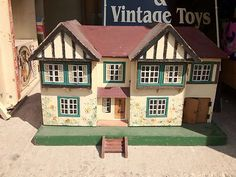 Triang Dolls House 1950'S | eBay Antique Dollhouse, Dollhouse Miniatures, Fairy Houses, Doll Houses, 1950s Toys, Old Dolls, Wooden Dolls, Childhood Toys, Doll Stuff