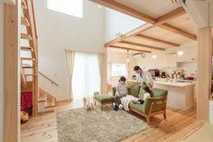 緑と青空が似合う、プロヴァンスの可愛い家 施工事例 浜松、名古屋で一戸建てを建てるならアイジースタイルハウス Japanese Minimalism, Loft, Furniture, Home Decor, Interiors, Decoration Home, Room Decor, Lofts, Home Furnishings