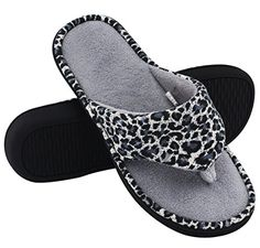 HomeTop Women's Leopard Memory Foam Spa Thong Flip Flops Indoor House Slippers Soft Slippers, Cute Slippers, Flip Flop Socks, Flip Flops, Grey Sandals, Women's Shoes Sandals, Princess Shoes, Old Shoes, Thing 1