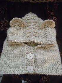 Vamos tricotar? Gola capuz em tricô bem fácil!                    Esta receita veste bebês até 4 meses    Fio duplo p bebe ( eu usei fio ...
