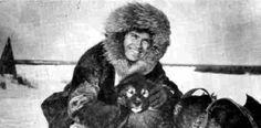 """Siendo ya un anciano resumió su vida como misionero en una sóla frase cuando un Padre en la Universidad Gonzaga le preguntó:""""Padre Llorente, usted, ¿qué hizo cuarenta años en Alaska?"""". Y como se lo dije en el tono de """"para qué perdió usted tanto tiempo allí"""", me contestó: """"Estuve cuarenta años enseñando a los eskimales... a hacer la señal de la cruz. Y con eso me doy por contento""""»."""