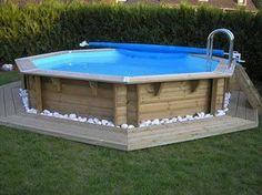 Déco zen pour une piscine hors sol en bois