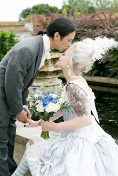 A Marie Antoinette style gothic wedding: Stan & Lotti.myhis would be soooo amazing Marie Antoinette, Gothic Wedding, Dream Wedding, Edgy Wedding, Geek Wedding, Versailles, Johnny Depp, Brides With Tattoos, Tattooed Brides