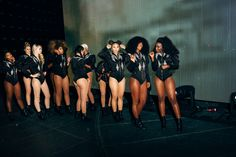 Formation Tour Dancers