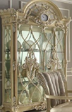 Check out the link to find out more shabby chic living room Chic Home Decor, Luxury Furniture Design, Victorian Furniture, Home Decor, Shabby Chic Furniture, Industrial Office Furniture, Chic Furniture, Beautiful Furniture, Shabby Chic Living