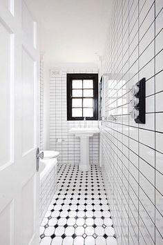 Small Bathroom Design Black And White - Bathroom Black And White Tiles Bathroom, White Bathroom Decor, Bathroom Design Small, Black Grout, Bathroom Designs, Bad Inspiration, Bathroom Inspiration, Chic Bathrooms, Amazing Bathrooms