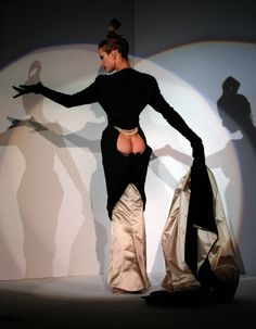 Thierry Mugler-OMG, really, LOL isn't that what every woman wants, her ass showing, geeze!!!