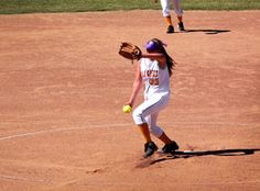 An Introduction to the Mechanics of Pitching in Softball | iSport.com