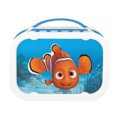 Finding Dory Nemo. Regalos, Gifts. Producto disponible en tienda Zazzle. Product available in Zazzle store. Link to product: http://www.zazzle.com/finding_dory_nemo_lunch_box-256355423905849915?CMPN=shareicon&lang=en&social=true&rf=238167879144476949 #LunchBox #Lonchera