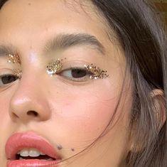 Whenever you do eye makeup, make your eyes look brighter. Your eye makeup must make your eyes stand out among the other functions of your face. Kiss Makeup, Cute Makeup, Pretty Makeup, Makeup Art, Hair Makeup, Casual Makeup, Crazy Makeup, Makeup Trends, Makeup Inspo
