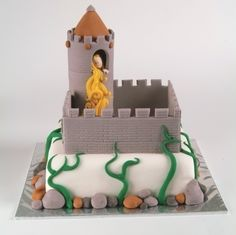 Rapunzel Cake tutorial.