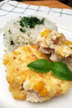 Sajtos, kukoricás csirkemell – VIDEÓVAL!   GastroHobbi Hungarian Recipes, Baked Potato, Risotto, Mashed Potatoes, Chicken, Baking, Breakfast, Ethnic Recipes, Food