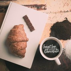 Its #nationalchocolateday - and yes we will be celebrating by eating it all day long! Check out the Autumn and Food artwork packs for some choco-themed elements to add to your photos