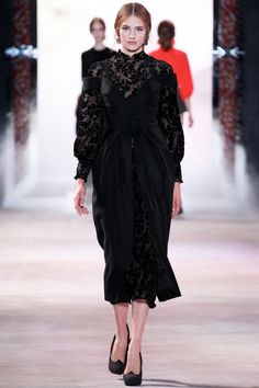 Ulyana Sergeenko коллекция | Коллекции осень-зима 2013/2014 | Париж | VOGUE