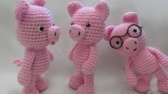 Little Bigfoot Pig 2014 - Free by Sharon Ojala of Amigurumi Freely / Pigs - Animal Crochet Pattern Round Up - Rebeckah's Treasures Crochet Pig, Crochet Elephant, Crochet Patterns Amigurumi, Crochet Animals, Crochet Crafts, Crochet Dolls, Crochet Projects, Knitting Patterns, Confection Au Crochet