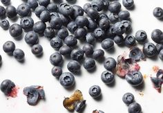 Blueberries a healthy food - good for women in helping prevent heart attack and a diet high in these berries can stave off memory loos by several years! Healthy Food Options, Healthy Snacks, Healthy Recipes, Benefits Of Organic Food, Health Benefits, Healthy Lifestyle Tips, Organic Recipes, A Boutique, Great Recipes