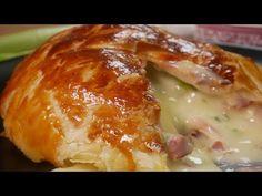 Překrojila camembert napůl a výsledek způsobil, že jsem ho také musela vyzkoušet!  - Snez.to Baked Potato, Potatoes, Chicken, Baking, Ethnic Recipes, Russian Recipes, Food, Polish, Vitreous Enamel