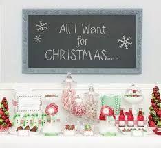 sección mesa de dulces inspirado en la canción navideña de mariah carey