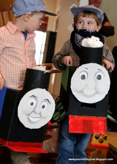train party How cute for a train party Thomas the Train b-day party Thomas Birthday Parties, Thomas The Train Birthday Party, Trains Birthday Party, Train Party, Boy Birthday, Birthday Ideas, Cardboard Train, Cardboard Tubes, Zug Party