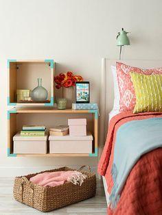 criados mudos criativos para usar na decoração do quarto, criado mudo de nichos fixados na parede