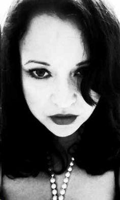 Leah Maines | Levure littéraire