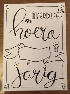 fintele voor jou Happy B Day, Paper Cutting, Doodles, Bullet Journal, Calligraphy, Diy Crafts, Letters, Drawings, Birthday