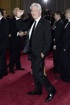 Todas las imágenes de celebrities y alfombra roja de los Oscars 2013: Richard Gere de Armani