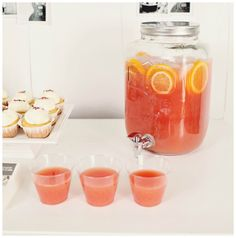 Graduation Party Ideas on a Budget - someone in our class has got to have a large beverage dispenser like this Graduation Open Houses, College Graduation Parties, Graduation Celebration, Grad Parties, Holiday Parties, Graduation Decorations, Graduation Ideas, Graduation 2015, Trunk Party
