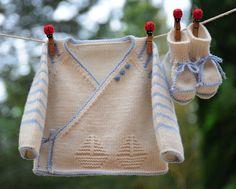 layette ensemble mérinos naissance-1 mois rayé écru et bleu neuf tricoté main brassière et chaussons
