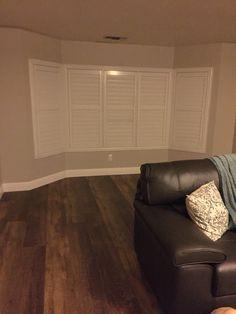 Top Vinyl Plank Flooring Trends in 4 Hot New Ideas Vinyl Plank Flooring, Wooden Flooring, Hardwood Floors, Vinyl Planks, Coretec Flooring, Flooring Options, Flooring Ideas, Luxury Vinyl Plank, Wood Pallets