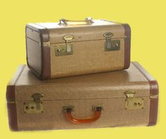vintage train case and matching suitcase.