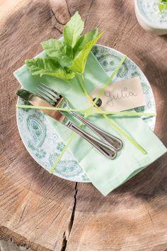 Tischdeko mit Giersch und Rezepte mit Wildkräutern im Frühling