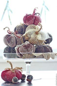 Купить Velvet Pumpkins - тыква, игольница, декор интерьера, для уюта, Декор, текстиль, велюр
