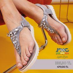 IMAC Parmak arası hakiki deri sandaletler %30 indirimle web sitemizde. Yüksek kaliteli İtalyan tasarımı IMAC sandaletler şıklığından ödün vermeyen annelere konfor ve şıklığı bir arada sunuyor. 🏷Hakiki deri. 🇮🇹 Made in Italy. 📦 Ücretsiz kargo. 💳 Kredi kartına TAKSİT imkanı. 💰 Kapıda ödeme imkanı. Tabata, Sandals, Shoes, Fashion, Slide Sandals, Moda, Shoes Sandals, Zapatos, Shoes Outlet