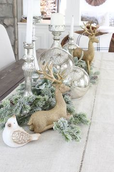 One or two bedroom suites in Wells, Maine at Elmwood Kitchen Layout Ideas Rose Gold Christmas Decorations, Christmas Table Centerpieces, Christmas Table Settings, Christmas Tree Themes, Xmas Decorations, Christmas Tables, Holiday Tables, Classy Christmas, Rustic Christmas