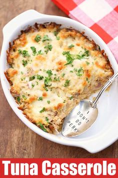 Keto Tuna Casserole A delicious and filling low carb tuna casserole. It has no noodles, but it has lots of flavor! Plus it's so easy to make - I call it my lazy tuna casserole. Healthy Food Blogs, Healthy Recipes, Keto Recipes, Healthy Eating, Easy Tuna Recipes, Recipes With Canned Tuna, Flour Recipes, Healthy Salads, Cookie Recipes