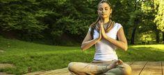 """El vocablo sánscrito chakra se traduce literalmente como """"rueda"""" o """"disco"""". En el yoga, la meditación y el Ayurveda, este término hace referencia a las ruedas de energía en todo tu cuerpo."""