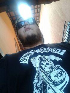 Raphael Lopes com sua Camiseta Sons Of Anarchy :)