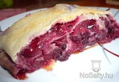 Zalai kelt megyes rétes Hungarian Desserts, Hungarian Cake, Hungarian Recipes, Sweet Cookies, Strudel, Fudge, Sweet Tooth, Food And Drink, Cooking Recipes