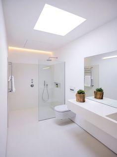 Bathroom Tub: The Complete Guide to Choosing Your Bathroom - Home Fashion Trend Ensuite Bathrooms, Dream Bathrooms, Small Bathroom, Luxury Bathrooms, Skylight Bathroom, Bathroom Green, Downstairs Bathroom, Bathroom Vanities, Bathroom Design Inspiration