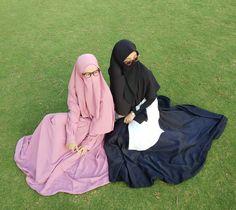 Niqab, Raincoat, Cute, Islam, Jackets, Manga, Beautiful, Instagram, Fashion
