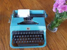 Underwood Leader Manual Working Typewriter  Blue by MahoganyRhino