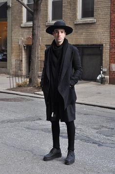 Complete in black look, men witch fashion, dark fashion, mens fashion, mode Witch Fashion, Dark Fashion, Mens Fashion, Street Goth, Men Street, All Black Men, Male Witch, Street Looks, Witch Outfit