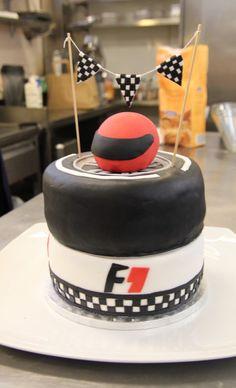 F1 Cake Lewis Hamilton Mercedes Cakes Pinterest