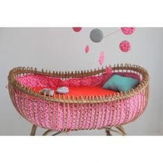 gorgeous crib / bassinet