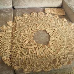 Diy Crafts - No photo description available. Crochet Wedding Dresses, Crochet Summer Dresses, Crochet Skirts, Crochet Clothes, Crochet Designs, Crochet Patterns, Diy Crafts Crochet, Popular Crochet, Craft Patterns